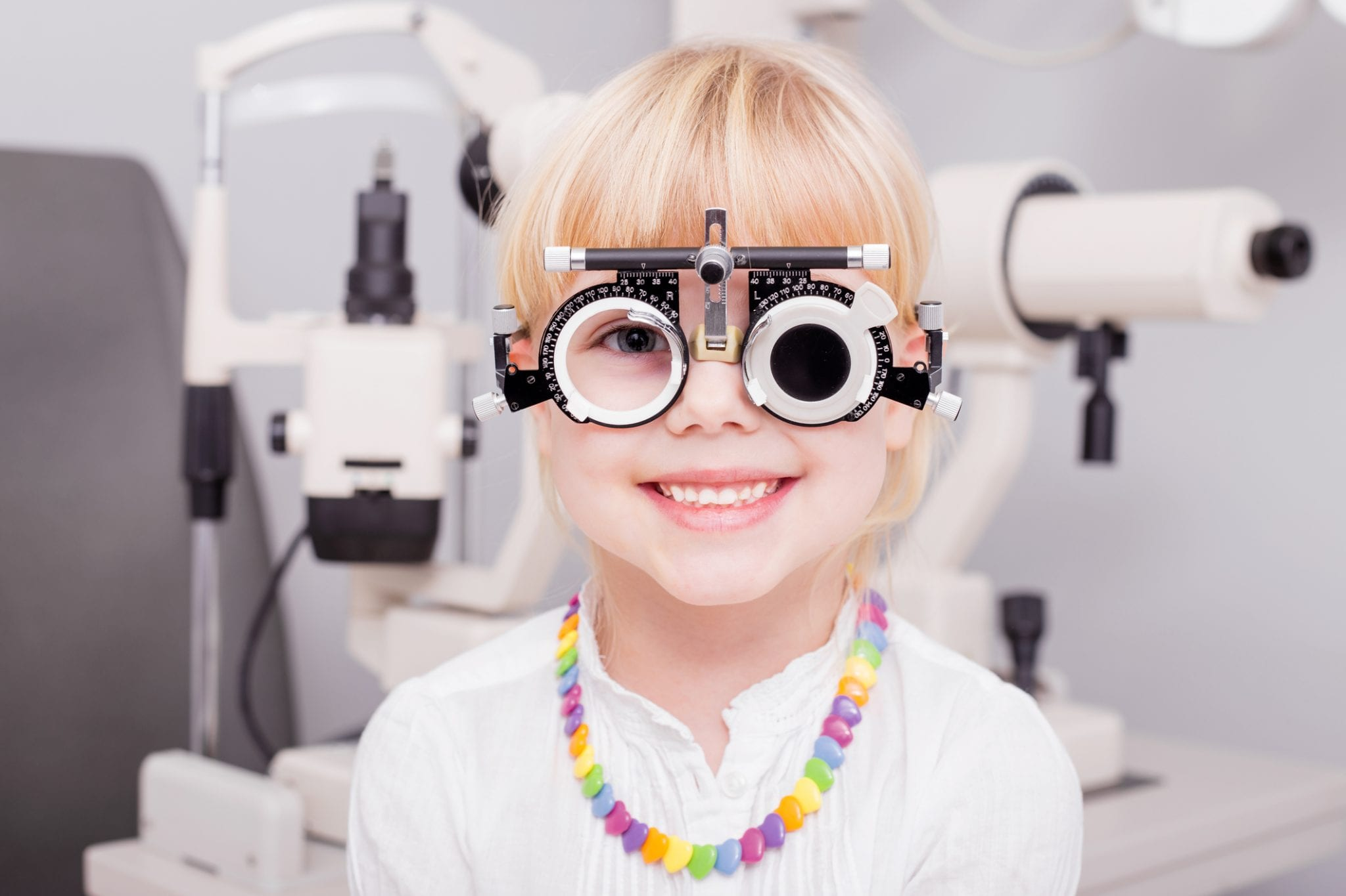 Comprehensive eye exam for a child